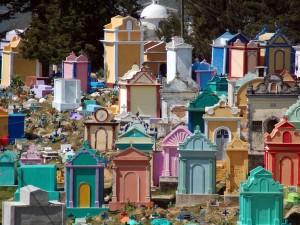 cemetery-chichicastenango_27912_600x450